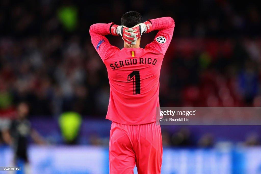 Sevilla FC v Manchester United - UEFA Champions League Round of 16: First Leg : ニュース写真