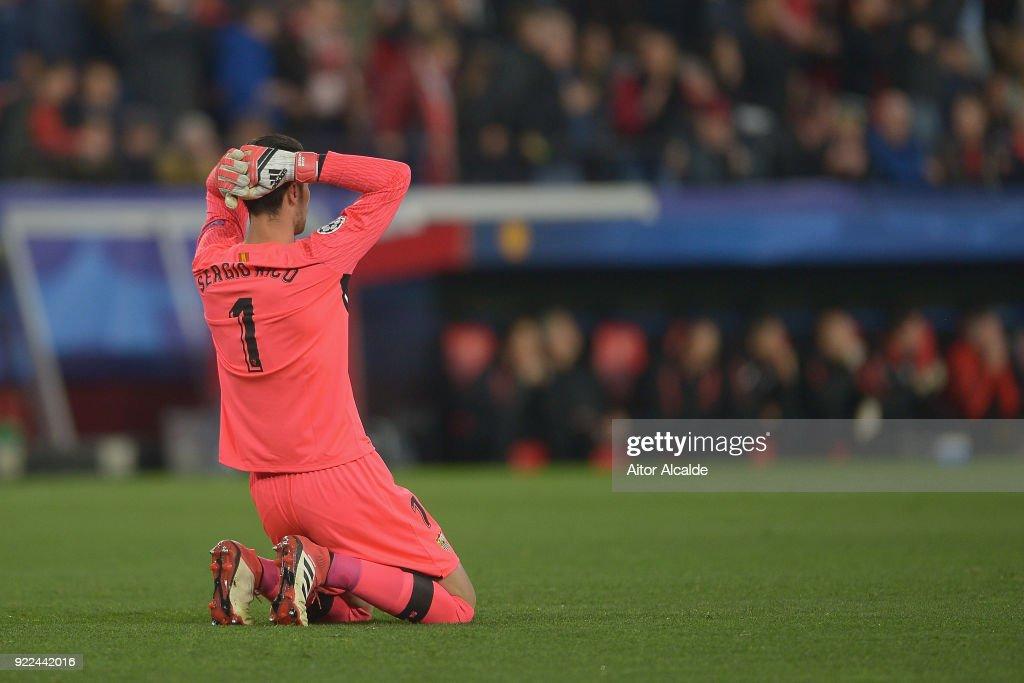 Sevilla FC v Manchester United - UEFA Champions League Round of 16: First Leg : News Photo