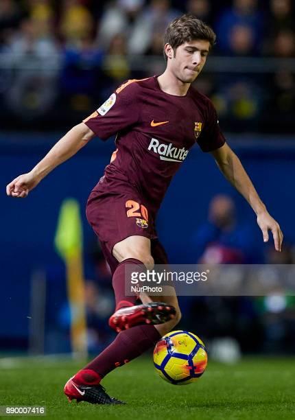 Sergio Roberto of FC Barcelona with the ball during the La Liga game between Villarreal CF and FC Barcelona at Estadio de la Ceramica on December 10...