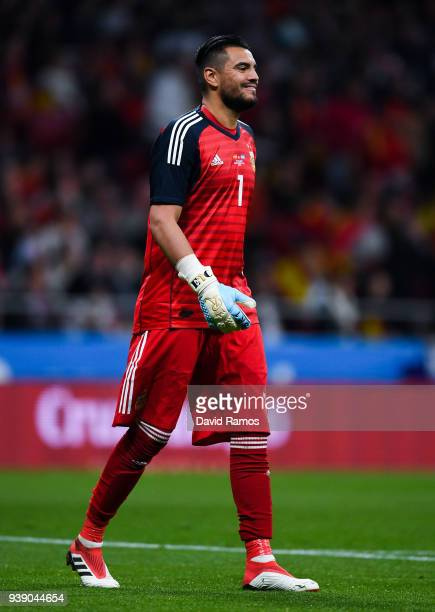 Sergio Romero of Argentina looks on during an International friendly match between Spain and Argentina at the Wanda Metropolitano stadium on March 27...