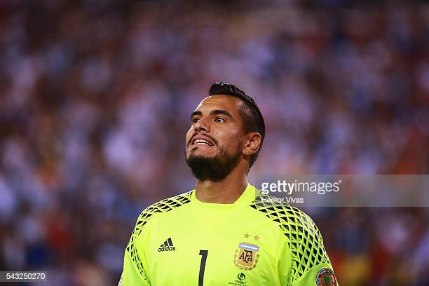 Sergio Romero of Argentina reacts during the championship match between Argentina and Chile at MetLife Stadium as part of Copa America Centenario US...