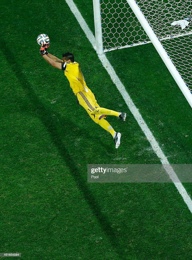 Netherlands v Argentina: Semi Final - 2014 FIFA World Cup Brazil : News Photo