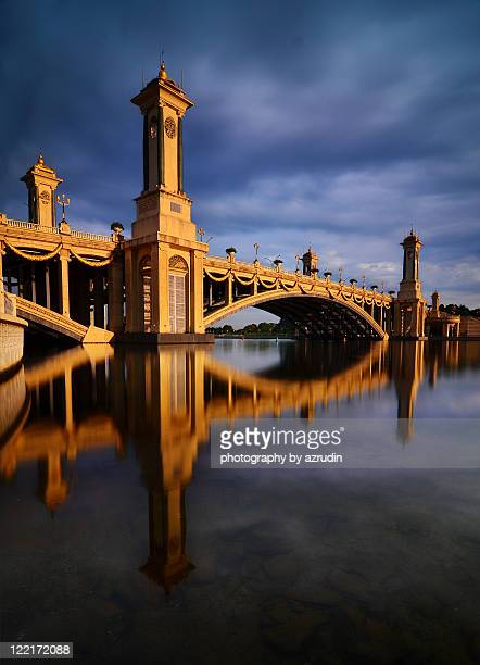 seri gemilang bridge - putrajaya stock photos and pictures