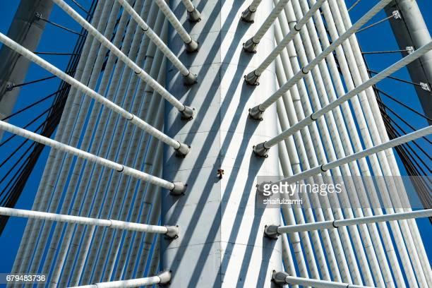 seri wawasan bridge is a cable-stayed bridge in putrajaya, malaysia - shaifulzamri stockfoto's en -beelden