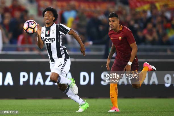 Serie A Roma vs Juventus Juan Guillermo Cuadrado of Juventus and Emerson Palmieri of Roma during the Serie A match between AS Roma and Juventus FC at...
