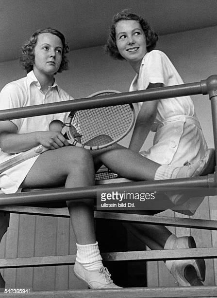 Serie aus dem Sarah Lawrence Collegein Bronxville umd dem Vassar Collegebei New YorkTennisspielerinnen vom Vassar 1938