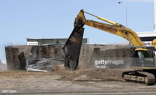 Series of demolition of the scoreboard at Whitten Oval on 10th November 2005 THE AGE SPORT Picture by RAY KENNEDY
