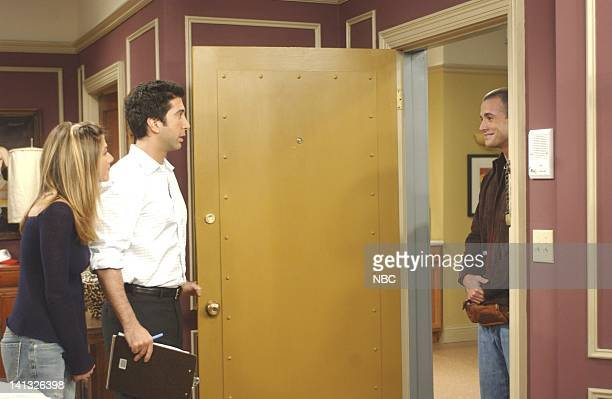 """Series -- """"The One With The Male Nanny"""" -- 200th Episode -- Pictured : Jennifer Aniston as Rachel Green, David Schwimmer as Ross Geller, Freddie..."""