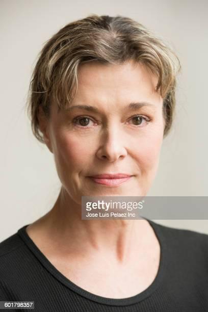 serious caucasian woman - 55 59 anni foto e immagini stock