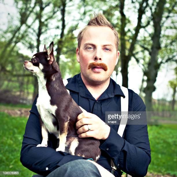 Grave Uomo con cane in ginocchio
