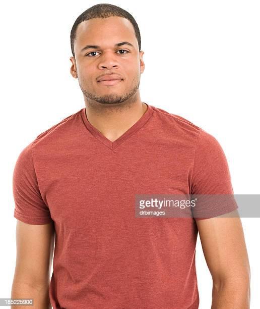 Portrait de grave jeune homme