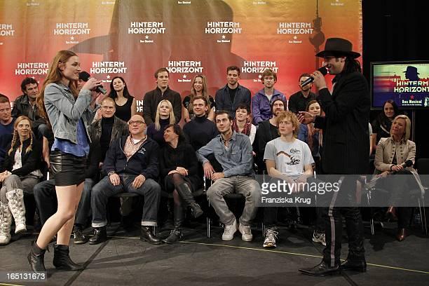 Serkan Kaya Und Josephin Busch Bei Der Pressekonferenz Zum Probenstart Zu Hinterm Horizont Das Musical Im Ballhaus Rixdorf In Berlin