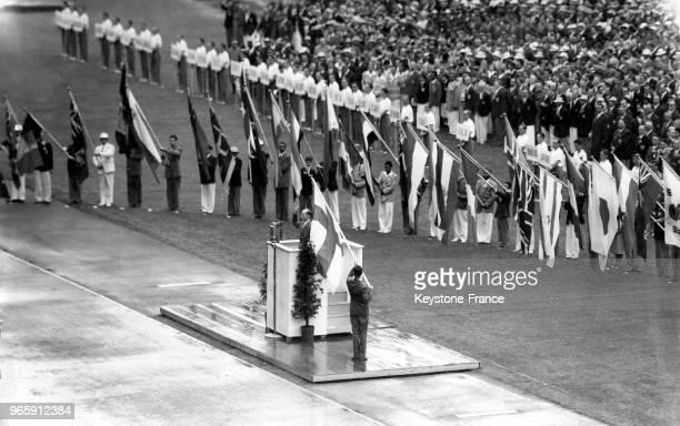 Serment olympique prononcé lors de la cérémonie d'ouverture des Jeux Olympiques le 19 juillet 1952 à Helsinki, Finlande.