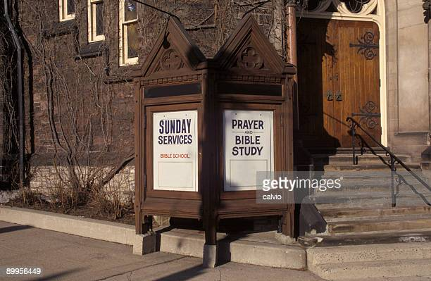sermon sign - congregation stock pictures, royalty-free photos & images