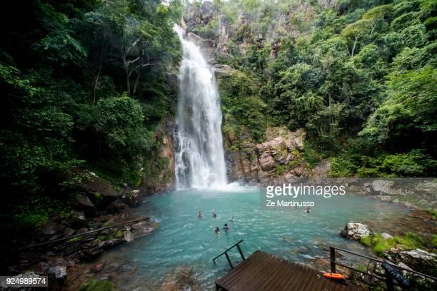 serra azul waterfall - estado do mato grosso imagens e fotografias de stock