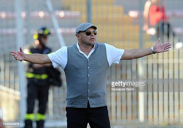 Serse Cosmi head coach of Lecce during the Serie A match between US Lecce and Parma FC at Stadio Via del Mare on April 29 2012 in Lecce Italy