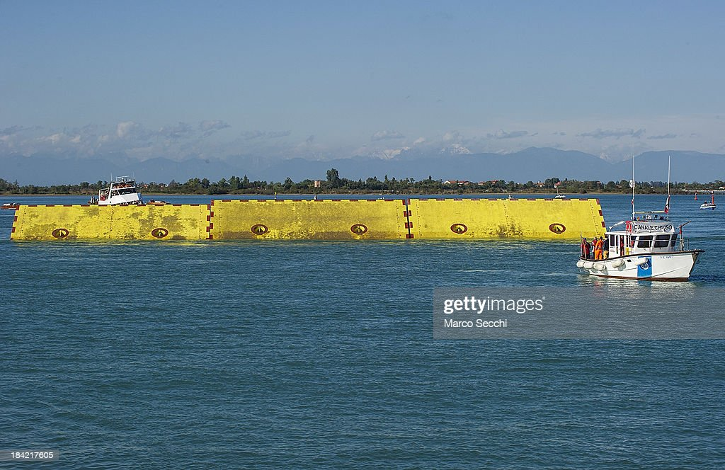 MOSE Venice Lagoon Project Runs Gate Tests : News Photo