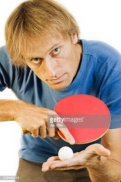 Servig table tennis plaxer