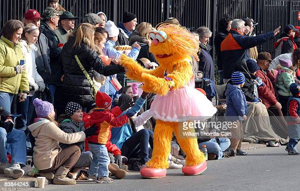 Sesame Street character greets the crowd during the 6ABC/IKEA Thanksgiving Day Parade November 27, 2008 in Philadelphia, Pennsylvania. The...