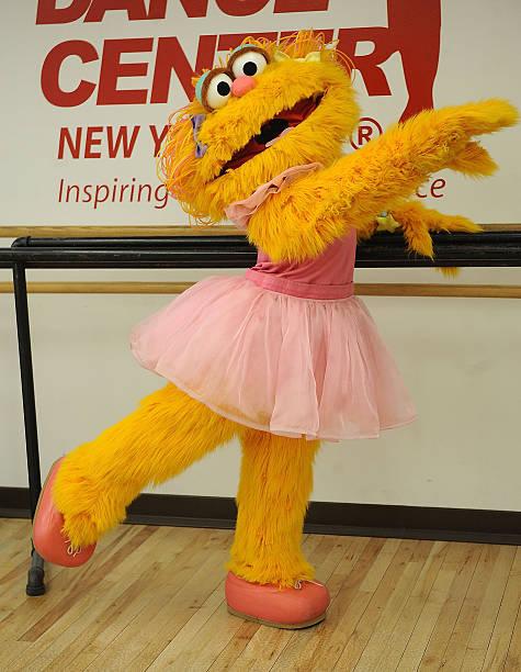 Sesame street 39 s zoe visits the broadway dance center - Sesame street madison square garden ...
