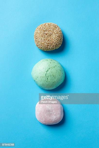 sesame wheat cake and sweet rice cakes - 大福餅 ストックフォトと画像