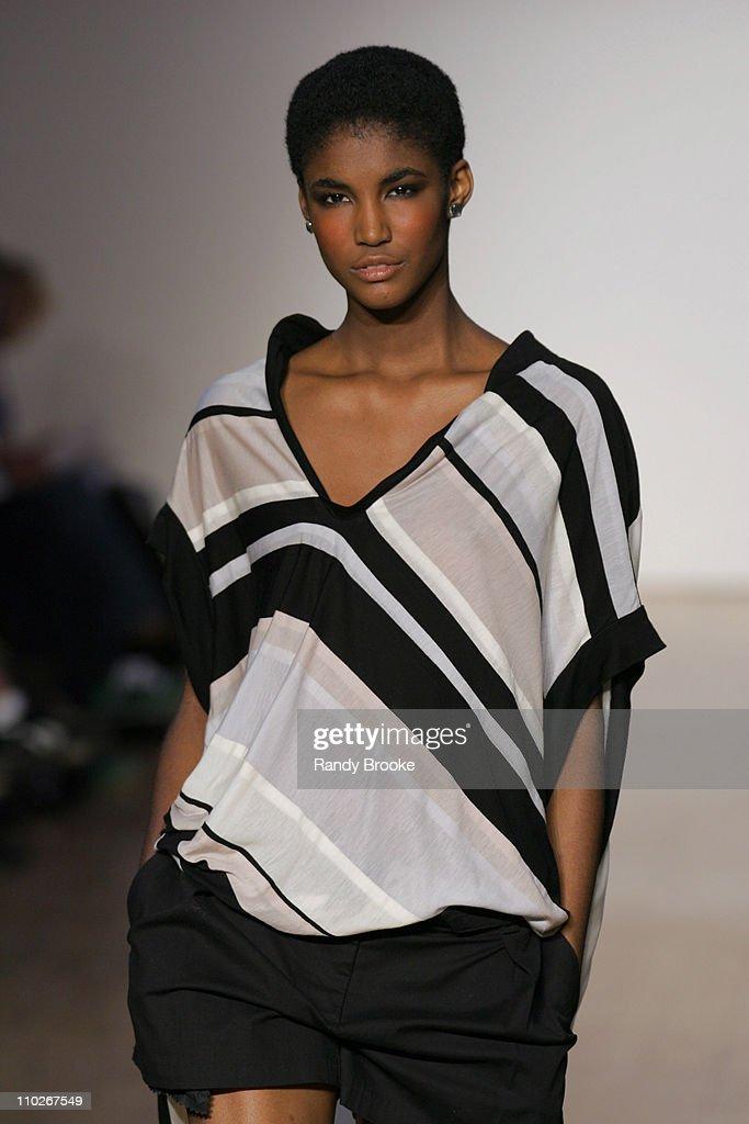 Olympus Fashion Week Spring 2006 - Zaldy - Runway