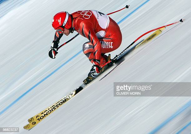 Bruno Kernen from Switzerland speeds down the course 11 February 2006 during the Men's Downhill third and last training run in Sestriere Borgata...