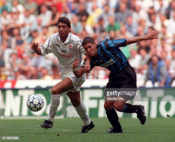 21 Set 1997 SERIE A INTER vs FIORENTINA Diego Pablo Simeone of FC Internazionale and Manuel Sui Costa of ACF Fiorentina compete for the ball during...