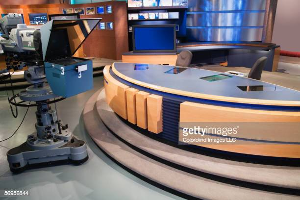 set for newsroom filming - press conference stock pictures, royalty-free photos & images