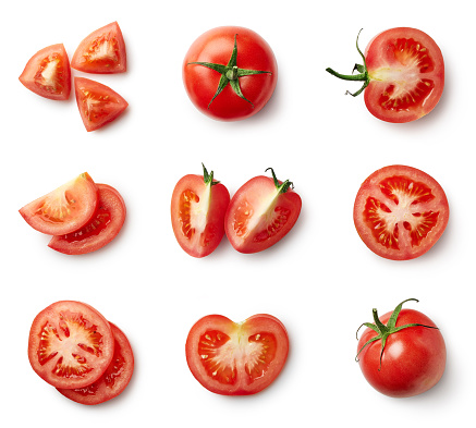 Set of fresh whole and sliced tomatoes 959153488