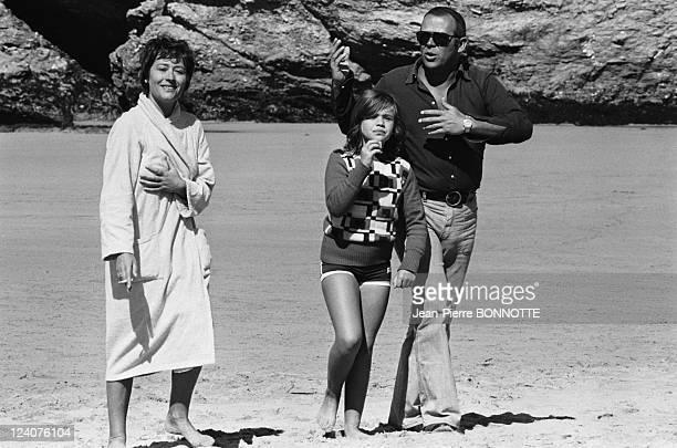 "Set of the movie ""Traitement de choc"" In France In November, 1972 - Annie Girardot with husband Renato Salvatori and daughter Giulia."