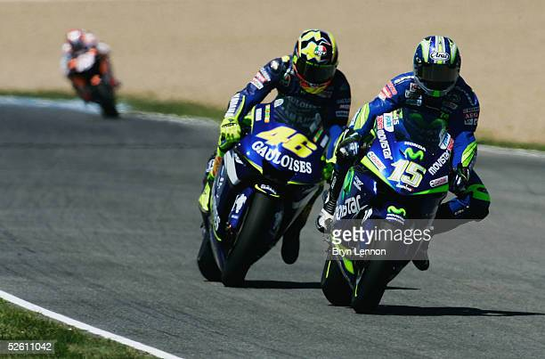 Sete Gibernau of Spain and Honda leads Valentino Rossi during the Spanish MotoGP at the Circuito de Jerez on April 10, 2005 in Jerez, Spain.