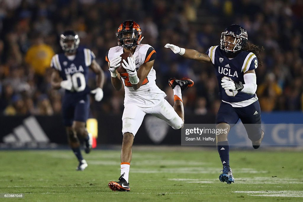 Oregon State v UCLA : News Photo
