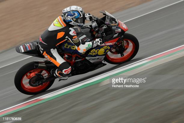 Seth Crump of Australia in action during the Dickies British Junior Supersport Championship at Donington Park on May 26, 2019 in Castle Donington,...
