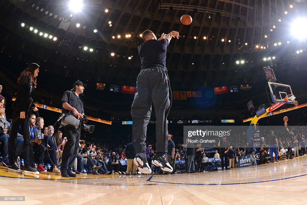 Seth Curry #30 of the Sacramento Kings before the game against the Sacramento Kings on November 28, 2015 at ORACLE Arena in Oakland, California.