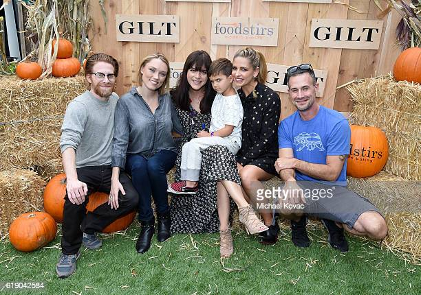 Seth Green Clare Grant Selma Blair guest Foodstirs Cofounder Sarah Michelle Gellar and Freddie Prinze Jr attend the Gilt Foodstirs Exclusive Cupcake...