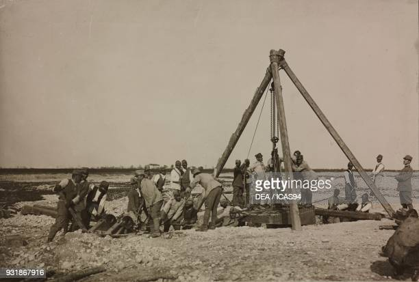 Setting up a post for a 400 mm trench mortar Trench Mortars School in Susegana World War I Italy 20th century