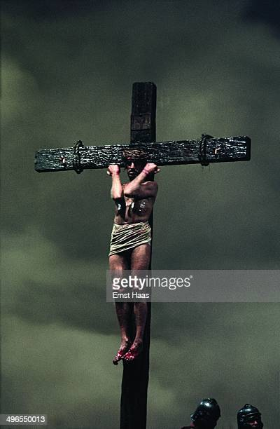 Setting up the crucifixion scene for 'The Greatest Story Ever Told', a biblical epic directed by George Stevens, June 1963. Swedish actor Max von...