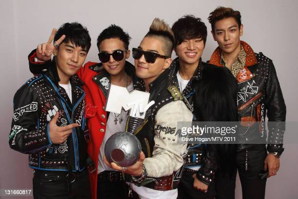 Seungri GDragon Taeyang TOP Daesung of Korean boy band Big Bang pose with their Worldwide Act award backstage during the MTV Europe Music Awards 2011...