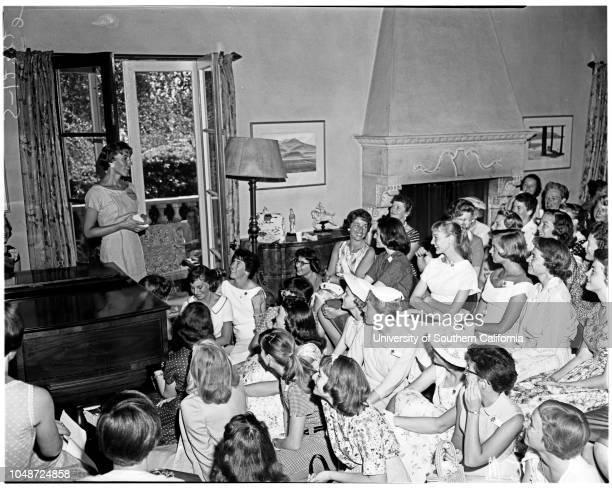 Seven college converence tea 26 June 1958 Susan BrewerFran PadelfordCharlotte LowJon HeddonMrs Morgan PadelfordSusan StraithGretchen...