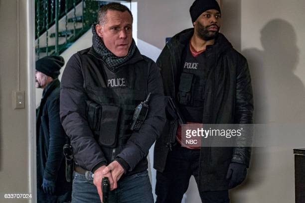 """Seven Indictments"""" Episode 414 -- Pictured: Jason Beghe as Hank Voight, LaRoyce Hawkins as Kevin Atwater --"""