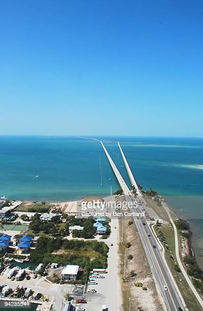 seven mile bridge from the air - seven mile bridge stock pictures, royalty-free photos & images