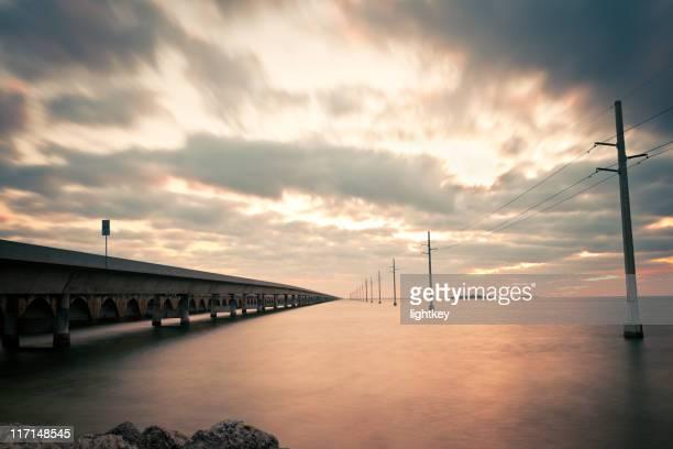 seven miles bridge at sunrise - seven mile bridge stock pictures, royalty-free photos & images