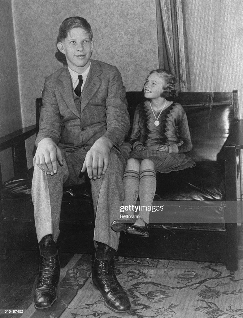 Robert Wadlow with Sister : News Photo