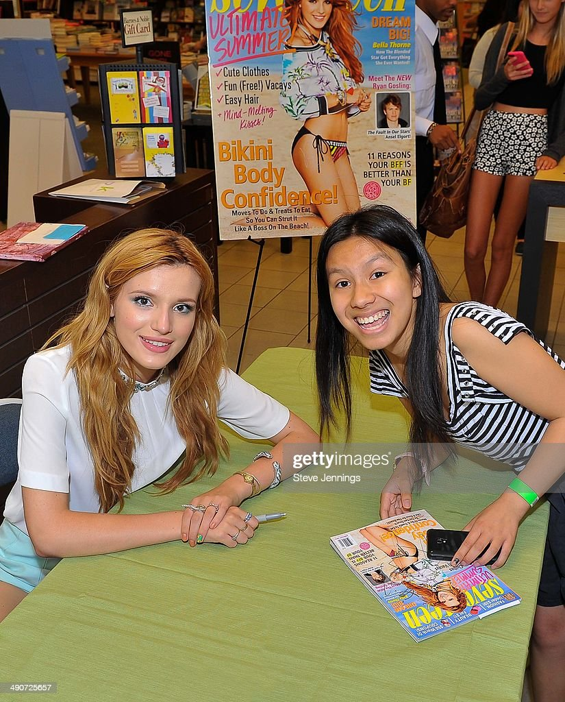 Disney Channel And Seventeen Magazine Star Bella Thorne Makes Appearance At Barnes & Noble : News Photo