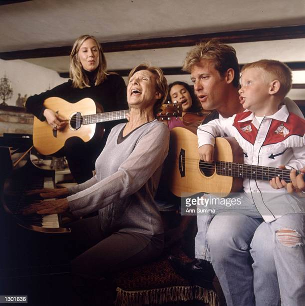 TABS*** Seventime Emmy award winning actress Cloris Leachman poses for exclusive portraits at home with her children and grandchildren in Los Angeles...