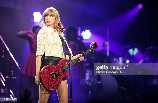 Seventime GRAMMY winner Taylor Swift kicked off her highly anticipated The RED Tour last night with a soldout show in Omaha Nebraska Taylor played to...