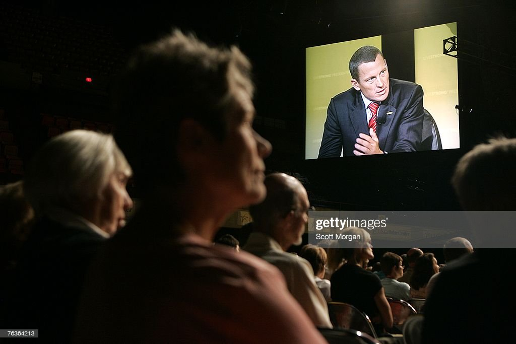 Republican Presidential Candidates Participate In Cancer Forum : News Photo