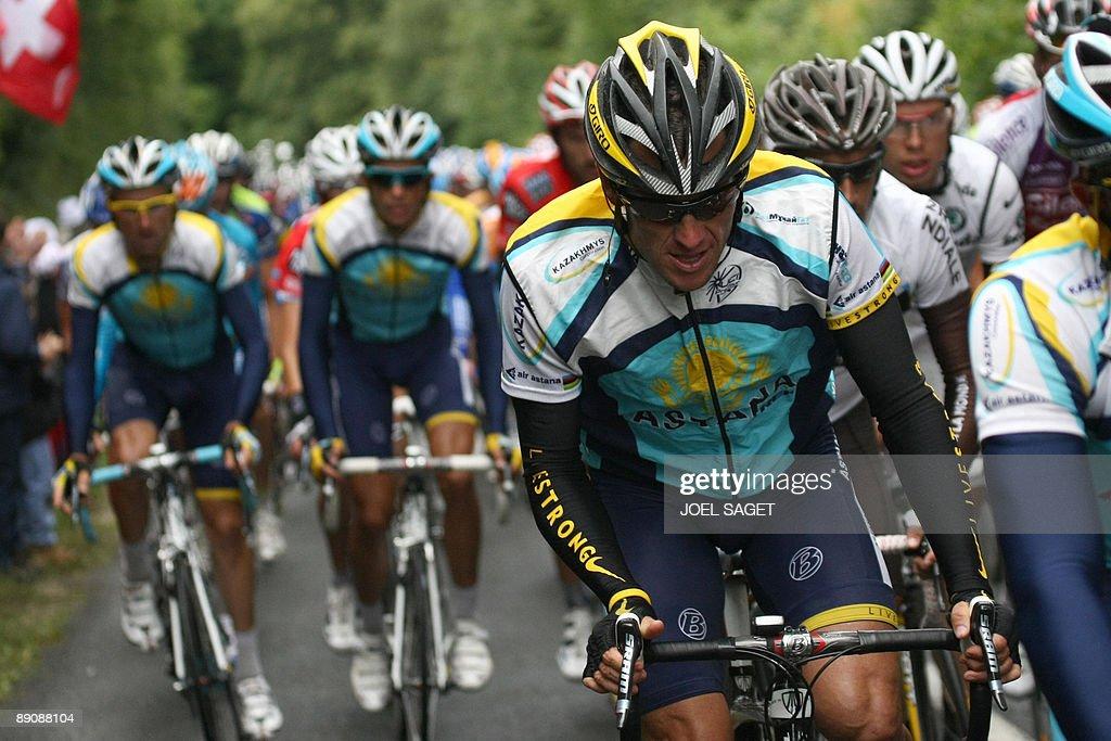 Seven-time Tour de France winner and Kaz : News Photo