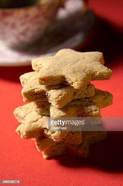 Several cinnamon-almond stars, stacked